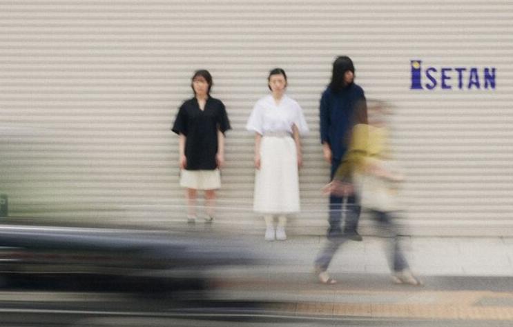 音樂與時尚的創新結合 羊文學×三越伊勢丹推出聯名展覽、線上演唱會