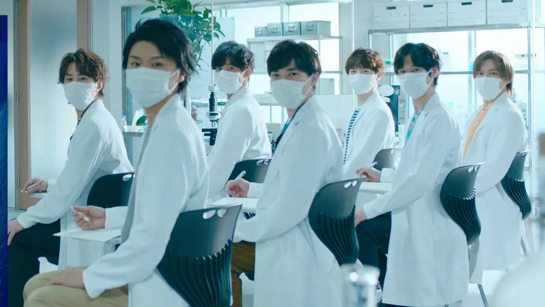 Kis-My-Ft2代言「三次元口罩」拍攝新廣告 化身成白袍研究員