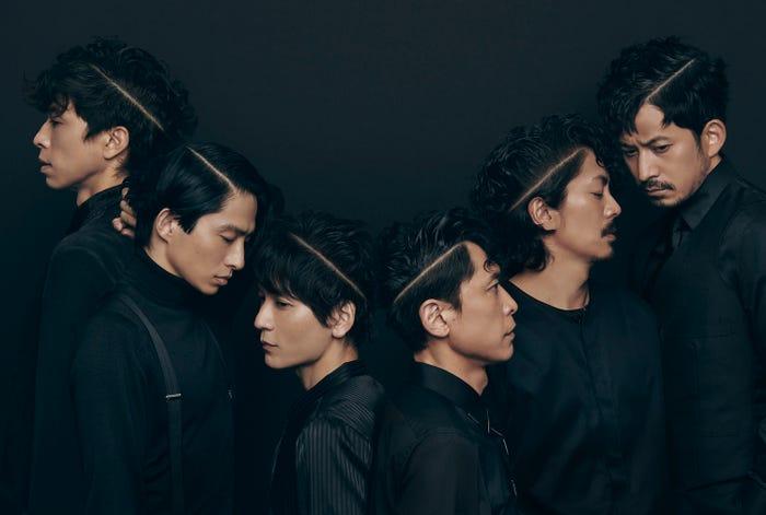 V6拍攝雜誌「裝苑」 6人以髮型合力排成大大的「V」